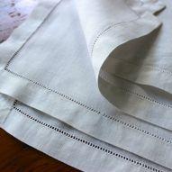 4 linen place mats-4
