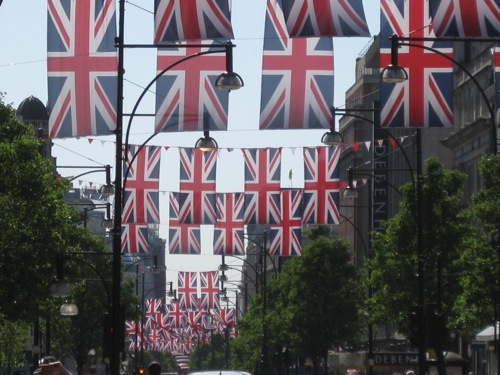 Union Jack Flags in London, England - © LoveToEatAndTravel.com