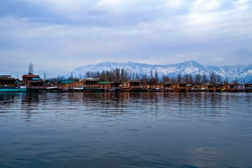 Dal Lake - photo by confused_me