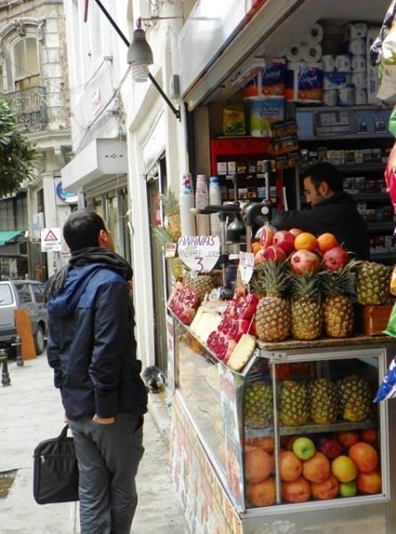 фреш на стамбульской улице