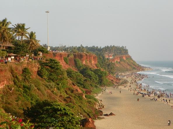 Клиф Варкалы и центральный пляж