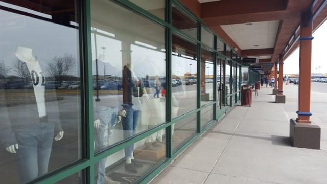 "Premium Outlets"", Albertville"