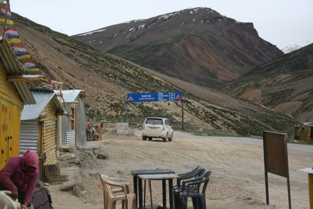 Sarchu halt for snacks. Ideally we should have stayed here the night.