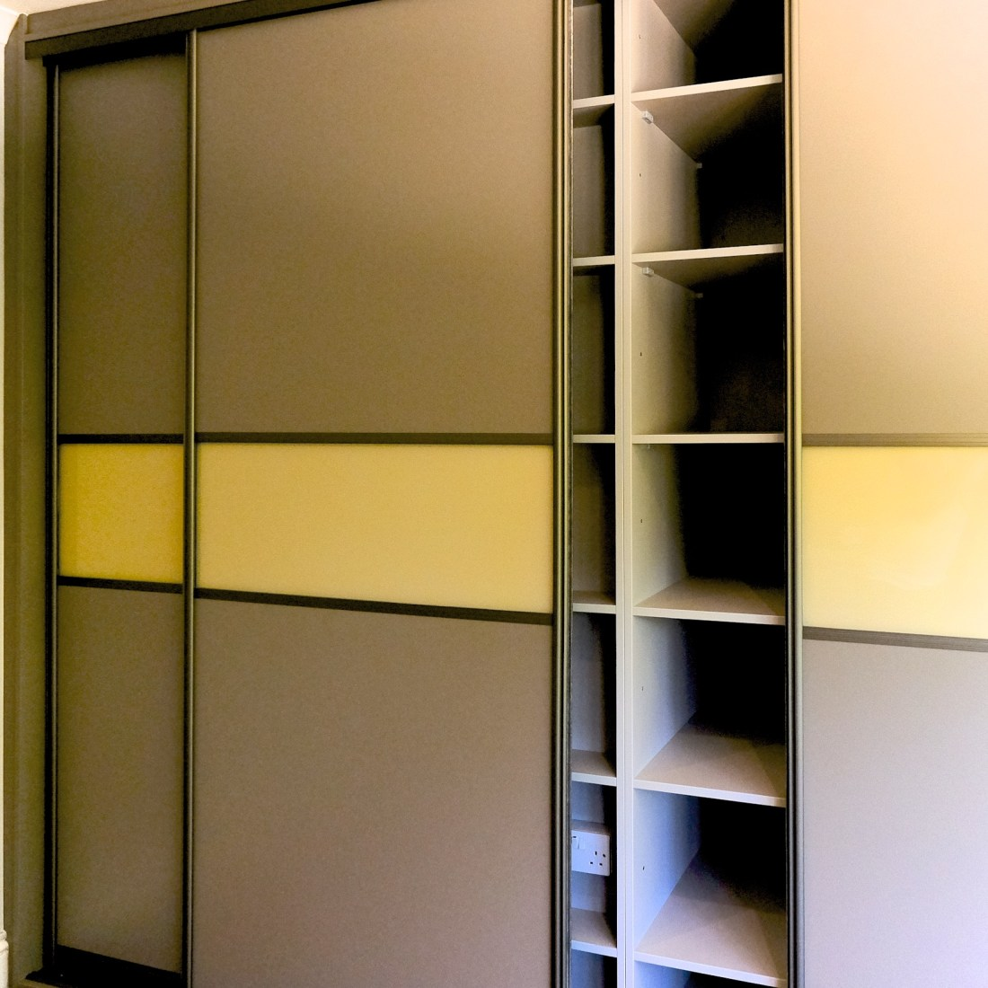 Bespoke fitted wardrobe and Sliding Doors Nash Mills