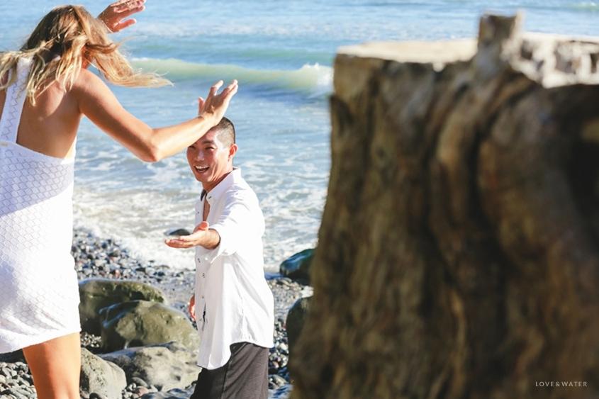 Maui surfboard wedding www.lovewaterphoto.com #maui #hawaii #elopement #surfboard #wedding #destinationwedding #bride #weddingphotography