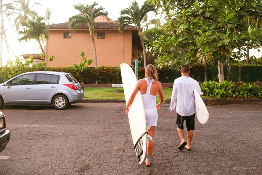 Maui surfboard wedding photography www.lovewaterphoto.com #maui #hawaii #elopement #surfboard #wedding #destinationwedding #weddingphotography