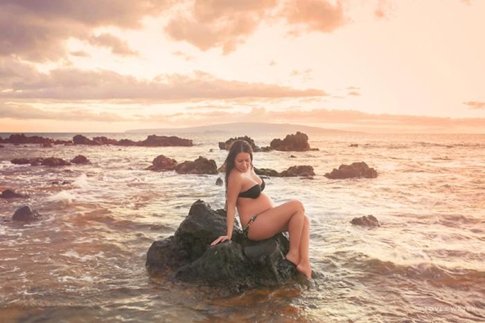 Maui Maternity Photographers sunset beach pregnancy session www.lovewaterphoto.com