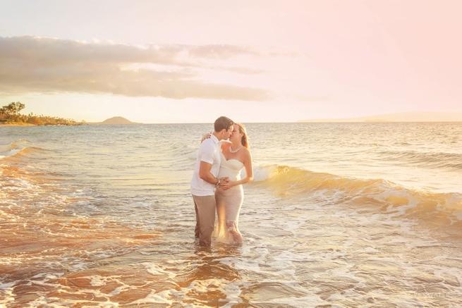 Maui beach maternity session www.lovewaterphoto.com #Maui #Maternity #BeachMaternityPortraits #MauiMaternity #Hawaii