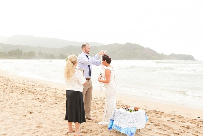 Kauai-Wedding-Photographers-Hanalei-Bay-Elopement_0047.jpg
