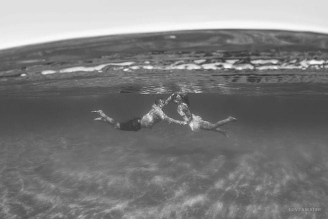 Underwater-Engagement-Photographers-Maui-Hawaii_0009.jpg