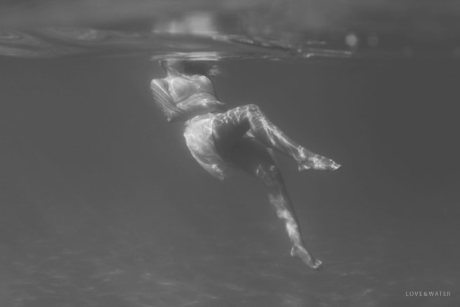 Underwater-Engagement-Photographers-Maui-Hawaii_0010.jpg
