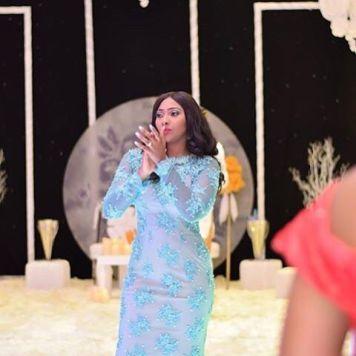 Reception Dress / Bridal Gown | Makeup: Oshewa Beauty