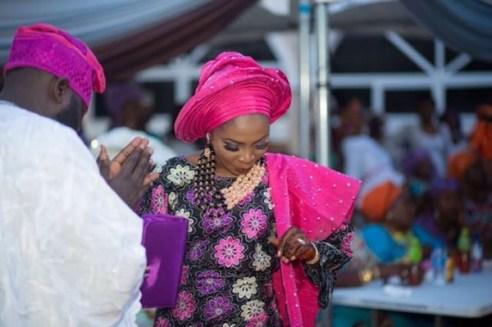 Nigerian Wedding Trend 2017 Bride in Multiple Outfits Traditional Wedding LoveWeddingsNG 6