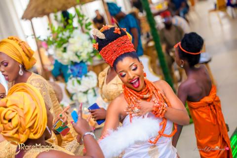 The Biggest Nigerian Wedding Shoot #TheAkugbe18 Bride Amanda Dara dancing LoveWeddingsNG