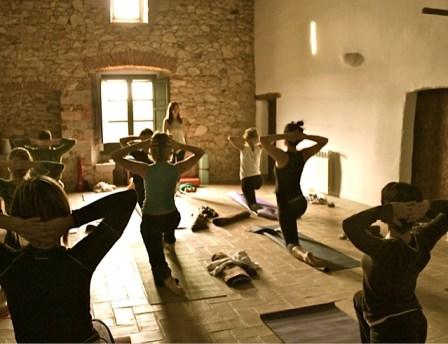 Clase de yoga en Can Piferrer
