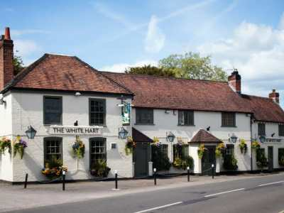 White Hart Denmead Launches Mother's Day Menu
