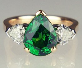 Tsavorite garnet & heart shaped diamond ring in rose gold - 3.39ct pear cut tsavorite