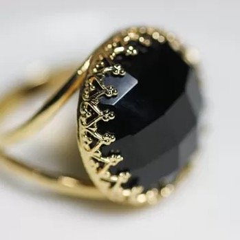 About Black Onyx History Meaning Value And Uses