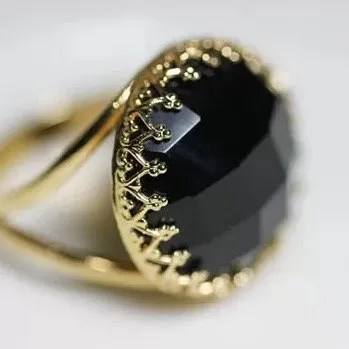 Gold Ring With Black Onyx Meaning