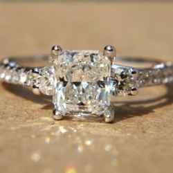 princess-cut-diamonds-and-twist-engagement-rings