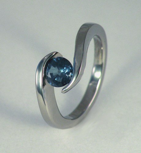 wave_titanium_1_carat_genuine_blue_sapphire_tension_set_ring_28b77048
