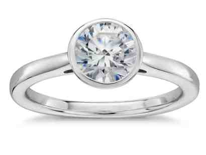 bezel-set-solitaire-engagement-ring-in-platinum-with-round
