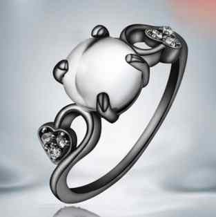 elegant-lady-opal-black-gold-diamond-ring