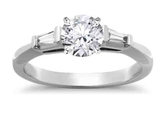 tapered-baguette-diamond-engagement-ring-in-platinum