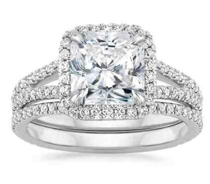FORTUNA DIAMOND MATCHED SET WITH 0.75 CARAT RADIANT DIAMOND
