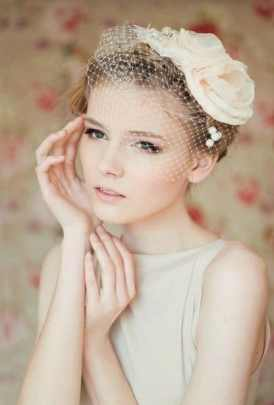 veils for brides with short hair