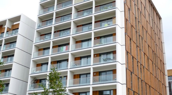 Barratt development Dalston Sq Lon E8 2012 © ∂å