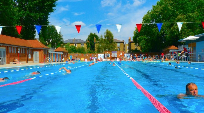 Lido pool London Fields Lido Dalston E8 210414 © david.altheer@gmail.com