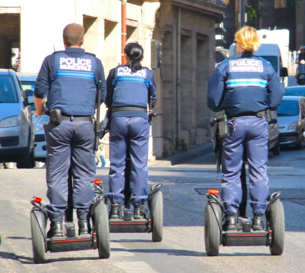 Segway scooter lives. Marseille police zoom into action, striking terror into hearts of local bad boys 190913 S © david.altheer@gmail.com