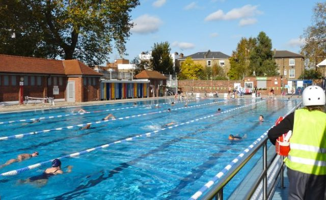Lon Fields Lido Hackney London 271014 © david.altheer@gmail.com