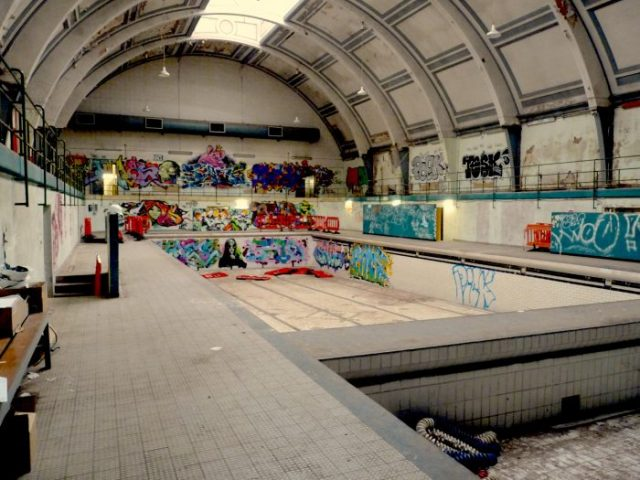 HaggBathsInt: Haggerston Baths interior Whiston Road E2 8BA deshokto0615 © DavidAltheer@gmail.com