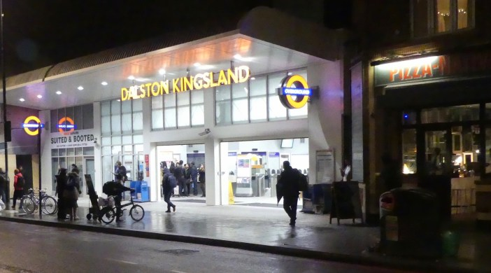 DK16: Modified Dalston Kingsland station Kingsland Hi St Dalston London 041116 © DavidAltheer [at] gmail.com