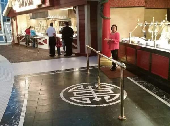 Casino buffet stations