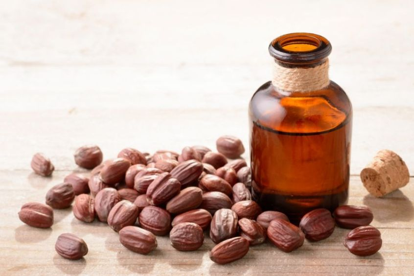Jojoba oil for natural 4c hair growth