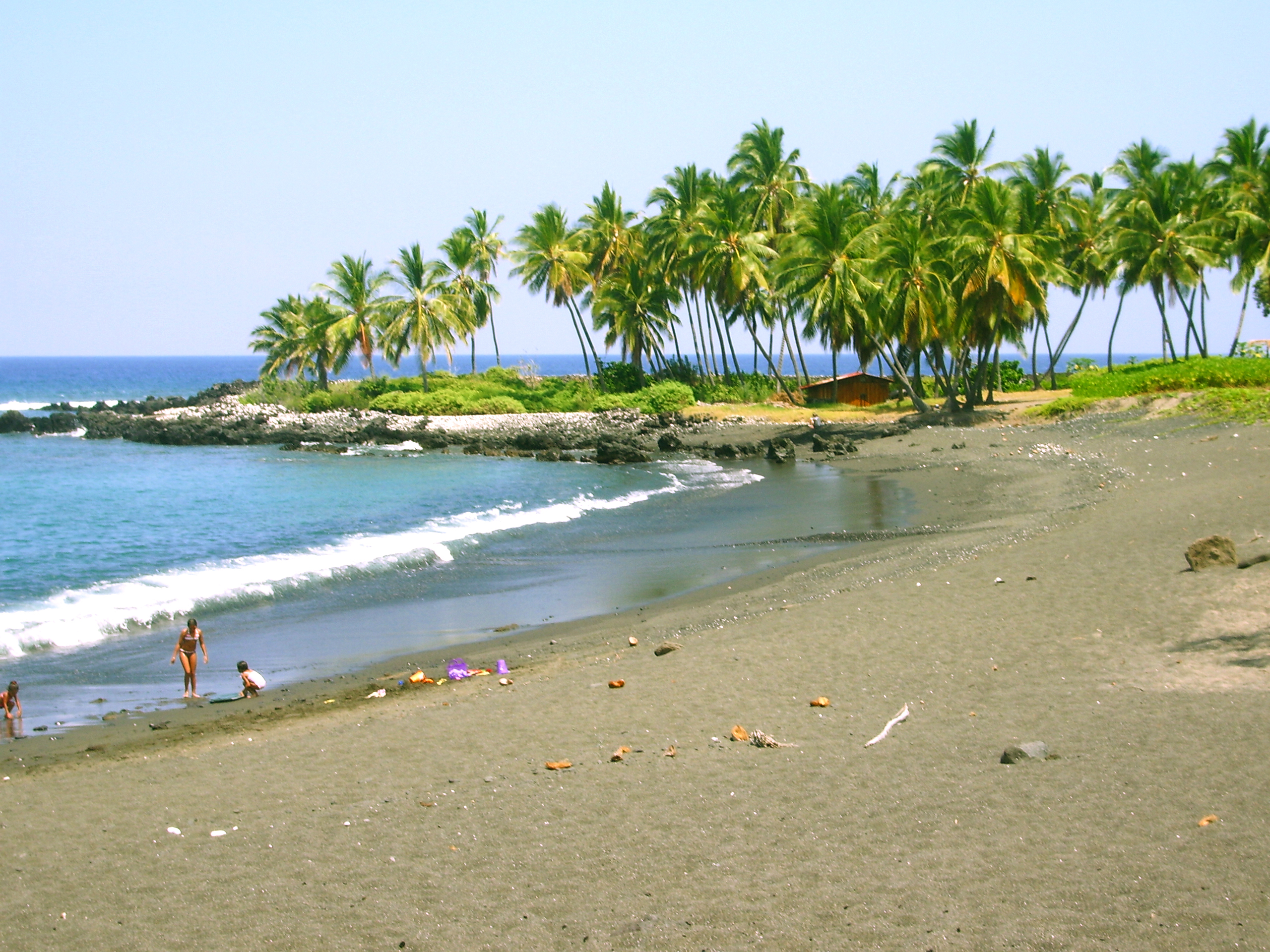 Honomalino Beach, South Kona, Hawaii: Photo by Donald MacGowan