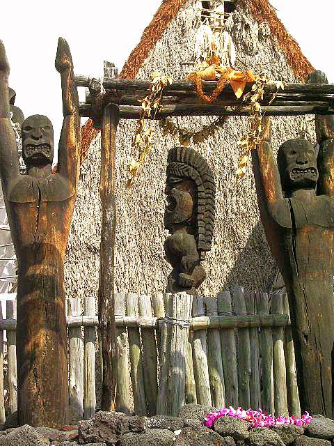 Ahu'ena Heiau Sacred Iki, Kialua Kona Hawaii: Photo by Donnie MacGowan