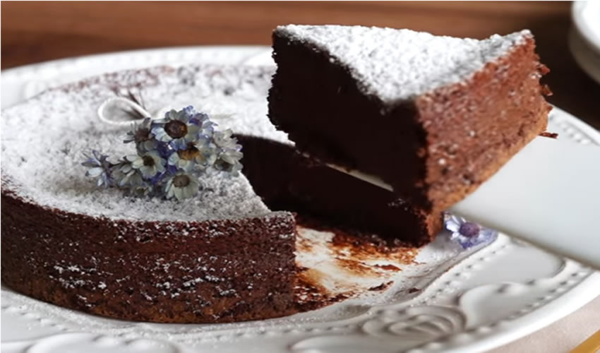 Bolo de Chocolate Low Carb 2 Ingredientes