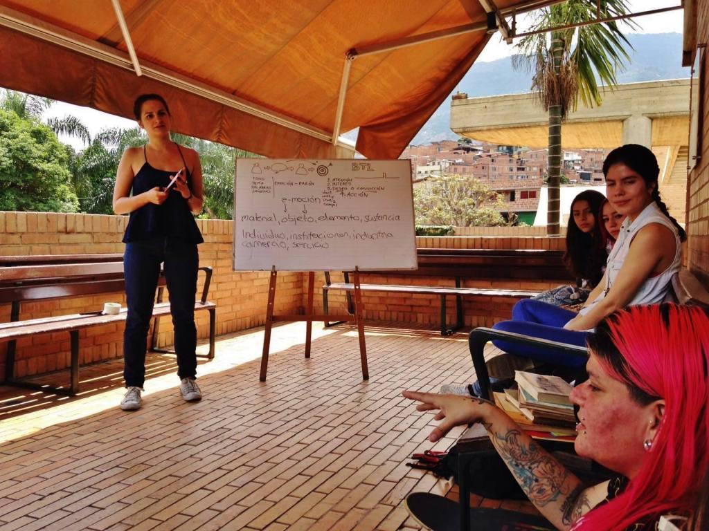 Taller con comunidades sobre Economía Circular. Moravía, Medellín