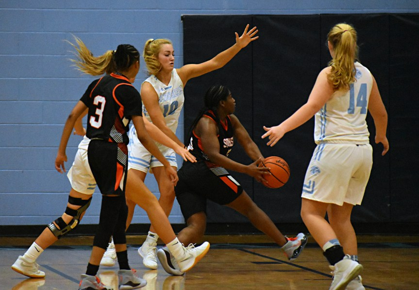 HSGBB: Seahawks come up short in defensive battle