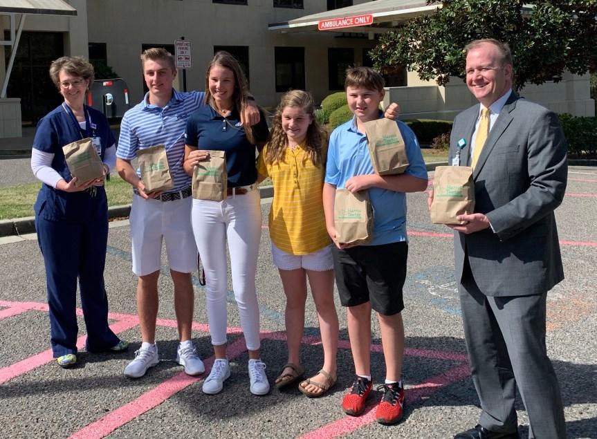 Junior golf stars Hylton, Griz teaming up to help community heroes