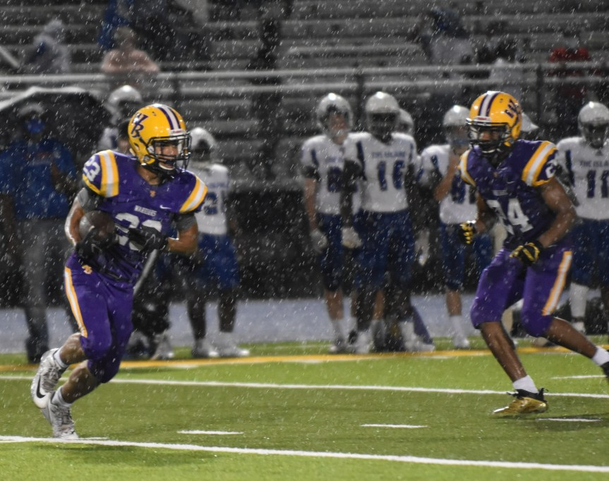 HSFB: Warriors climb to 5th, Eagles still 8th in state polls