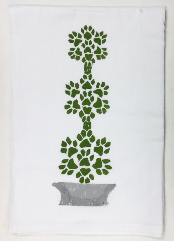 paw topiary towel