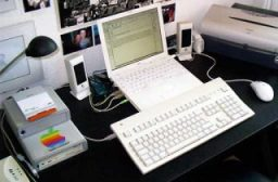 Apple Extended Keyboard II with iBook
