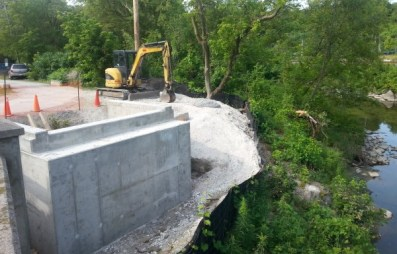 New footing for Pottery Road multi-use trail bridge