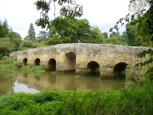 15th Century seven arch bridge at Stopham on the river Arun. Photograph by Colin Smith as part of the Geograph project