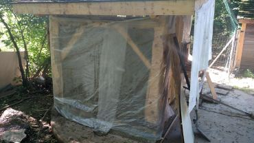 Plastic over daub to slow the drying.